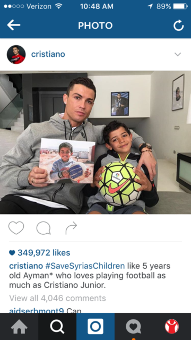 After hearing his story, football icon and Global Artist Ambassador for Save the Children Cristiano Ronaldo posted a photo on social media to show his support for Ayman* and all kids affected by this crisis. Regram of Cristiano Ronaldo. March 2015.