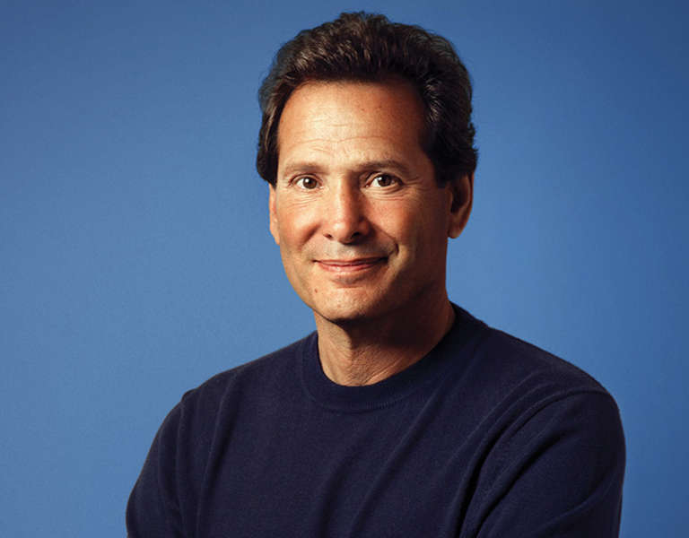A photo portrait of Dan Schulman.