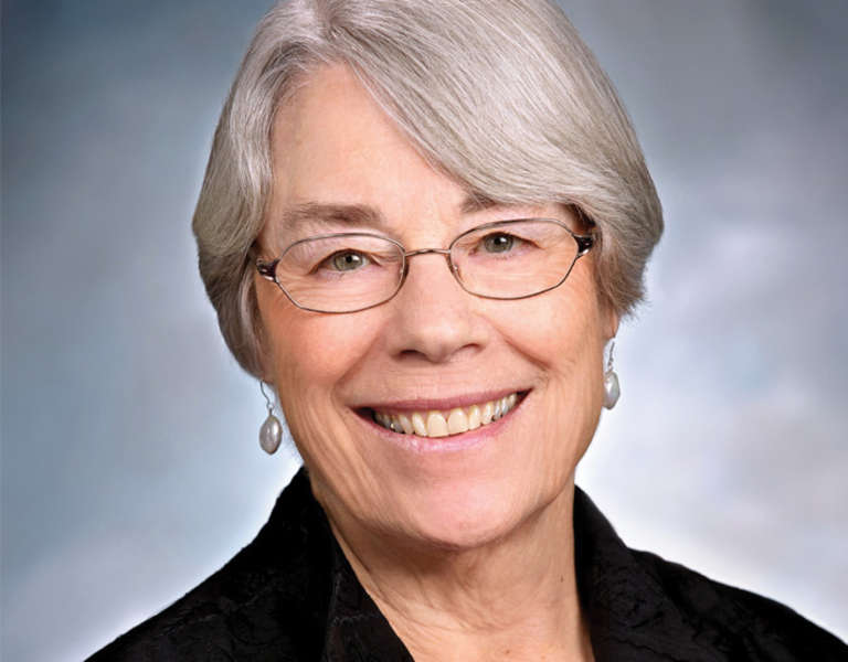 A photo portrait of Ruth Kagi.